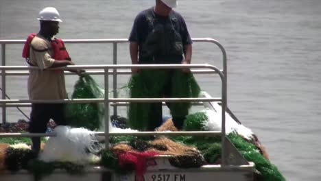 A-Major-Oil-Spill-Along-The-Mississippi-River-In-2014-Is-Contained