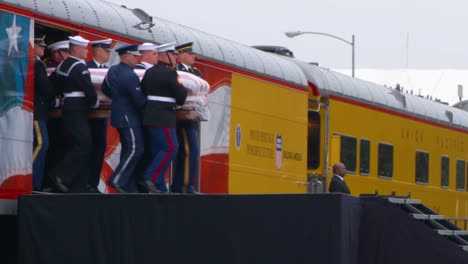 Images-Of-The-State-Funeral-For-41St-President-George-Hw-Bush-His-Casket-Coffin-Carried-From-Train