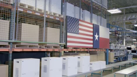 Us-President-Donald-Trump-And-Apple-President-Tim-Cook-Tour-An-Apple-Manufacturing-Facility-Factory-In-Austin-Texas