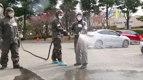 Corea-Del-Sur-Toma-Medidas-Agresivas-Contra-El-Brote-Pandémico-Del-Virus-Covid19-Del-Coronavirus-Mediante-La-Pulverización-De-Desinfectante