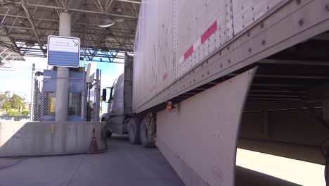 Shipping-And-Trucking-At-The-Us-Mexico-Border-Customs-Area-Increases-During-The-Covid19-Coronavirus-Epidemic-Outbreak-Port-Of-Entry-Commercial-Inspection-Facility-1