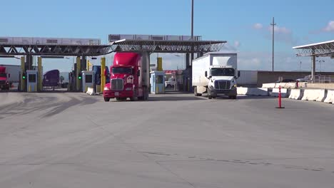 Shipping-And-Trucking-At-The-Us-Mexico-Border-Customs-Area-Increases-During-The-Covid19-Coronavirus-Epidemic-Outbreak-Port-Of-Entry-Commercial-Inspection-Facility-2