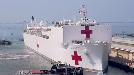 Us-Navy-Hospital-Ship-Comfort-Docked-In-New-York-Harbor-To-Fight-The-Coronavirus-Covid19-Virus-Outbreak-2