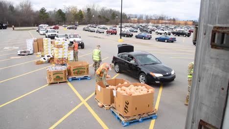 Us-Army-Soldiers-Distribute-Food-At-A-West-Michigan-Food-Bank-During-The-Covid19-Corona-Virus-Outbreak-Emergency-Pandemic-Outbreak-Food-Shortage-1