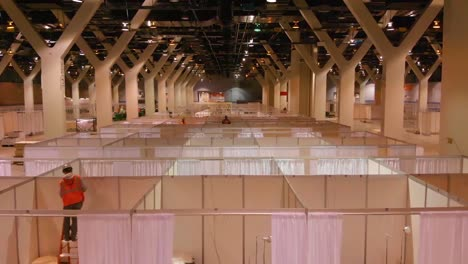 Excellent-Interior-Vista-Aérea-Shots-Of-An-Emergency-Hospital-Constructed-At-Mccormick-Convention-Center-In-Chicago-During-Coronavirus-Covid19-Emergency-Outbreak-Epidemic