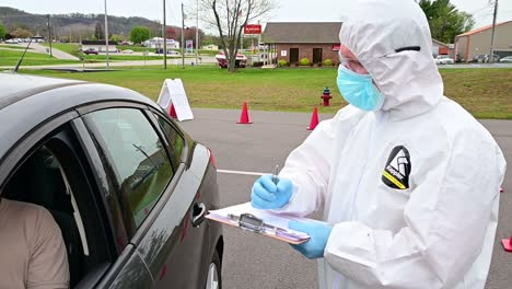 Covid19-Coronavirus-Patients-Are-Tested-At-A-Drive-Thru-Clinic-By-National-Guard-Of-Tennessee-2