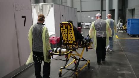 Los-Pacientes-De-Covid19-Del-Coronavirus-De-Nueva-York-Son-Tratados-En-El-Centro-De-Convenciones-De-Javits-Durante-El-Brote-Epidémico-Pandémico-5