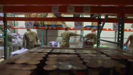 Us-National-Guard-Soldiers-Distribute-Food-At-A-Missouri-Food-Bank-During-The-Covid19-Corona-Virus-Outbreak-Emergency-Pandemic-Outbreak-Food-Shortage