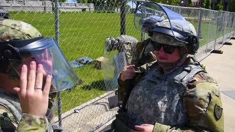Las-Tropas-De-La-Guardia-Nacional-De-Minnesota-Se-Movilizan-Para-Proteger-A-Las-Personas-Y-La-Propiedad-Durante-Los-Disturbios-Y-Los-Disturbios-Tras-El-Asesinato-De-Geroge-Floyd-2