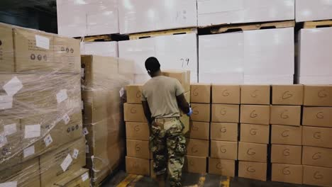 New-York-National-Guard-Soldiers-Assemble-Covid19-Testing-Kits-For-Nursing-Homes-In-New-York-State-2