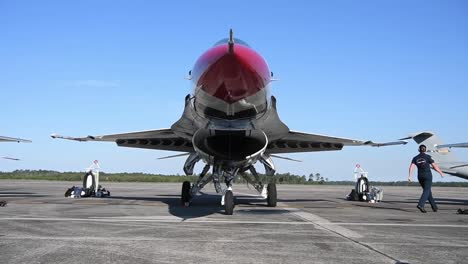 Us-Air-Force-thunderbirds-Prepare-To-Take-Off-During-America-Strong-A-Salute-To-Essential-Covid19-Workers-2