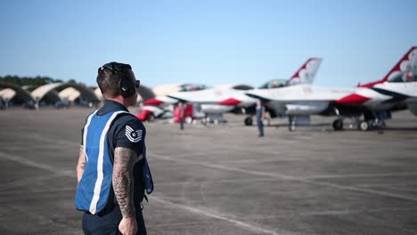Us-Air-Force-thunderbirds-Prepare-To-Take-Off-During-America-Strong-A-Salute-To-Essential-Covid19-Workers-3