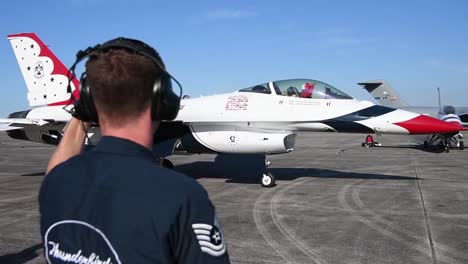 Us-Air-Force-thunderbirds-Prepare-To-Take-Off-During-America-Strong-A-Salute-To-Essential-Covid19-Workers-4