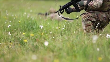 US-Armeesoldaten-Führen-Buddy-Team-Live-Feuer-Übungen-Durch-Um-Die-Kampfbereitschaft-Zu-Verbessern-Gemeinsame-Basis-Lewismcchord-1
