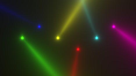 Animación-Movimiento-Colorido-Brillante-Foco-Rayos-Sobre-Fondo-Oscuro-En-Etapa-1