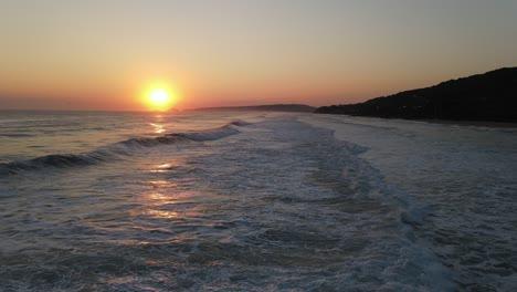 Waves-Foamy-White