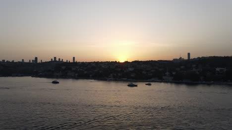 Vista-Aérea-Del-Bósforo-De-Estambul