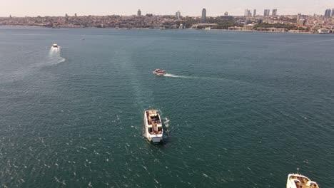 Ferry-Bósforo-Estambul-Vista-Aérea