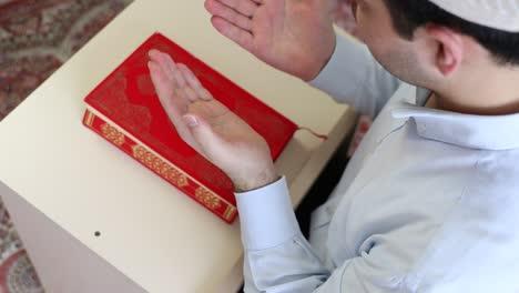 Young-Muslim-Man-Praying-1