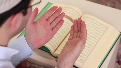 Prayer-In-Mosque