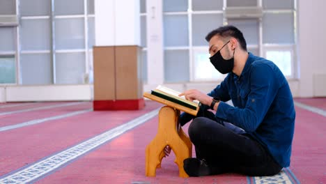Man-With-Mask-Reciting-The-Quran-Mosque