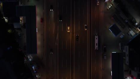 Vista-Superior-Del-Tráfico-Nocturno
