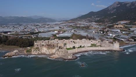 Castillo-Medieval-Del-Imperio-Romano-Mamure