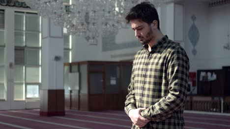 A-Man-Praying-In-The-Mosque