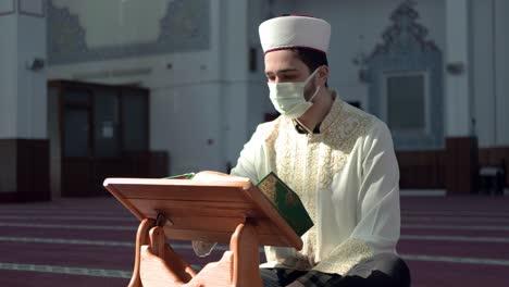 Masked-Muslim-Imam-In-Mosque