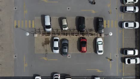 Parkplatz-Aus-Der-Vogelperspektive