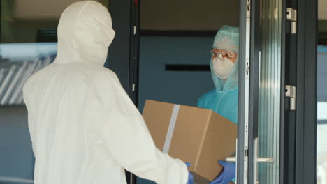 Loading-Boxes-Of-Medicine-At-The-Clinic-Door-1