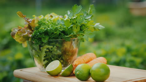 A-Healthy-Vitamin-Drink-On-The-Table-Near-Fresh-Ingredients