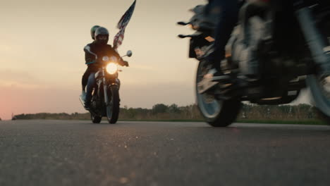 Silhouettes-of-bikers