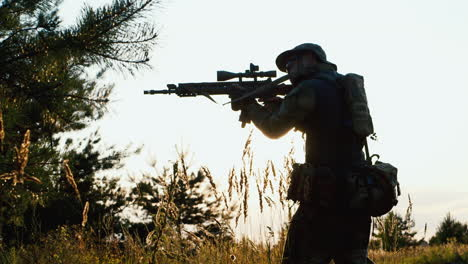 A-solider-aims-his-rifle-4