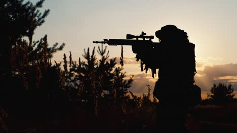 A-solider-aims-his-rifle-8