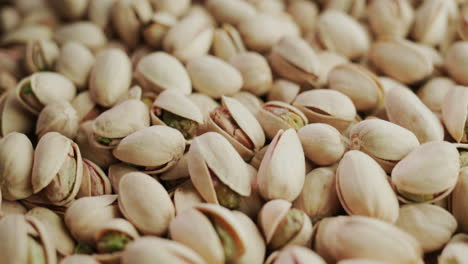 Appetizing-salted-pistachios-1