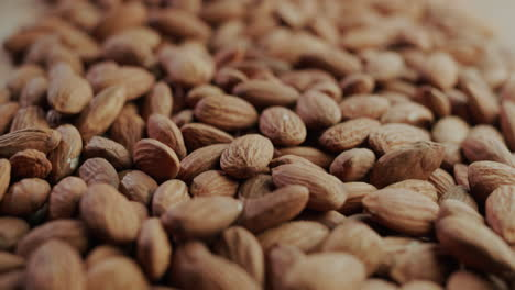 Selected-roasted-almonds
