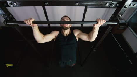 Athlete-does-exercises-in-the-gym-2