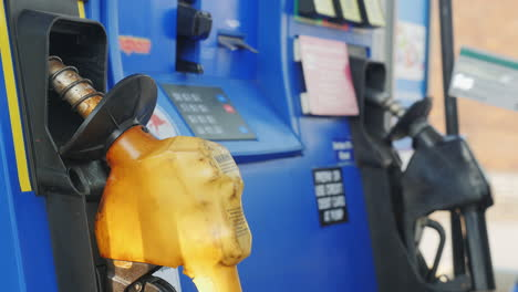 Man-Pays-With-Credit-Card-And-Enters-A-Pin-Code-At-A-Gas-Station
