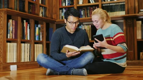 Smiling-Korean-Man-Talking-To-A-Woman-In-The-Library-3