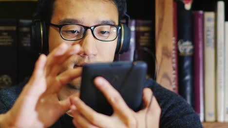 Portrait-Of-A-Korean-Man-In-Glasses-1