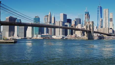Cityscape-Of-Manhattan-And-Brooklyn-Bridge