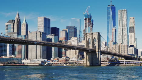 Cityscape-Of-Manhattan-And-Brooklyn-Bridge-1