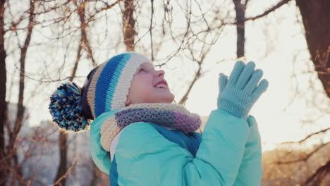 Girl-Five-Years-He-Enjoys-Coming-Winter