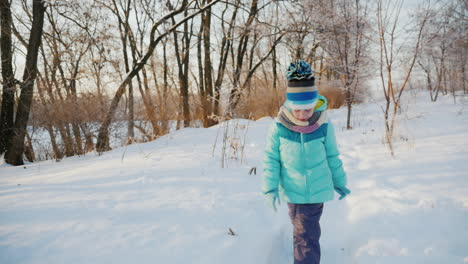 Girl-Five-Years-He-Enjoys-Coming-Winter-2