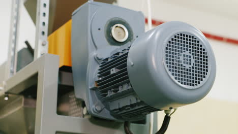 Compressor-Engine-Pumps-Liquid-Through-The-Pipes