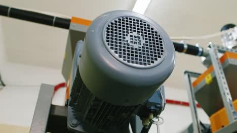 Compressor-Engine-Pumps-Liquid-Through-The-Pipes-1
