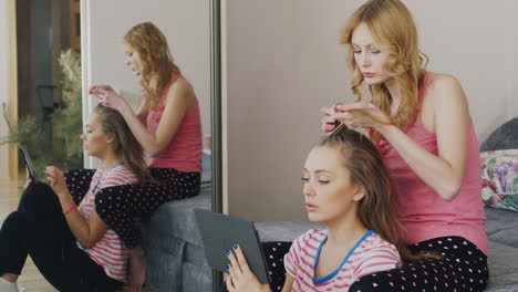 Two-Young-Women-Paint-The-Nails-At-Home-4
