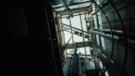 The-Elevator-Goes-Down-In-The-Shaft